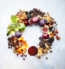 05.Waitrose Drinks Wreath 3
